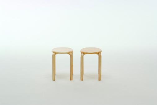 Stool「Two stools」:スマホ壁紙(19)
