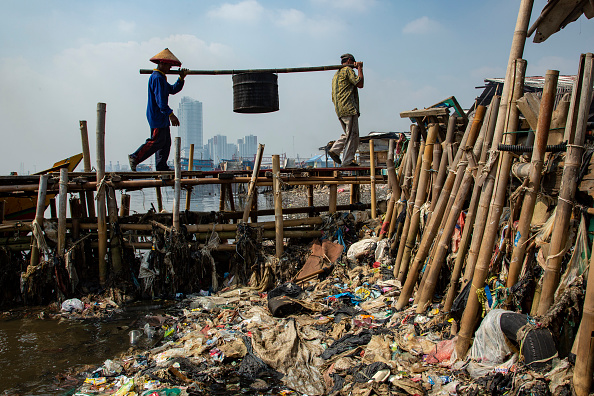 Bestpix「Indonesia Battles With Plastic Pollution」:写真・画像(16)[壁紙.com]