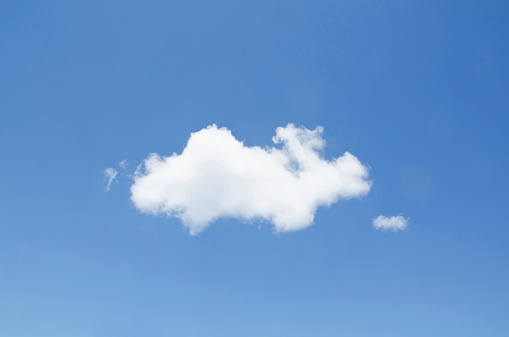 Low Angle View「USA, New York, White cumulus cloud in clear blue sky」:スマホ壁紙(18)