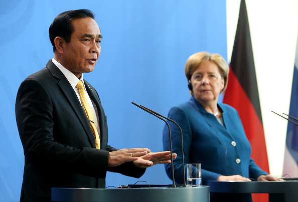 Adam Berry「Thai Prime Minister Meets With Angela Merkel」:写真・画像(5)[壁紙.com]