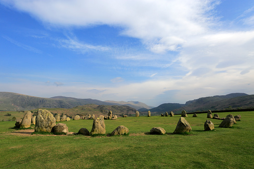 Color Image「Misty Dawn Landscape, Castlerigg Ancient Stone Circle, near Keswick Town」:スマホ壁紙(14)