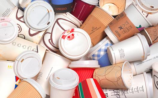 Coffee Break「Abandoned takeaway coffee cups」:スマホ壁紙(5)