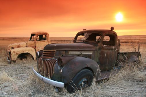 Restoring「Abandoned Trucks on the Prairie With Sunrise」:スマホ壁紙(9)