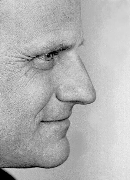 Profile View「Reverend Graham」:写真・画像(1)[壁紙.com]