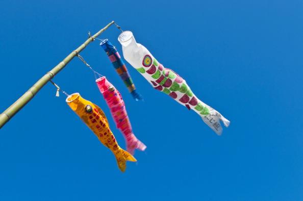 こいのぼり「Over 4,000 Carp Streamers Hung Over The River To Celebrate Children's Day」:写真・画像(7)[壁紙.com]