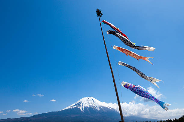 Carp streamers near Mt. Fuji:スマホ壁紙(壁紙.com)