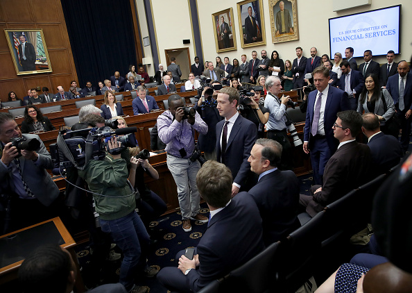 Privacy「Facebook CEO Mark Zuckerberg Testifies Before The House Financial Services Committee」:写真・画像(12)[壁紙.com]