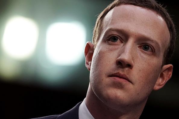 Social Media「Facebook CEO Mark Zuckerberg Testifies At Joint Senate Commerce/Judiciary Hearing」:写真・画像(10)[壁紙.com]