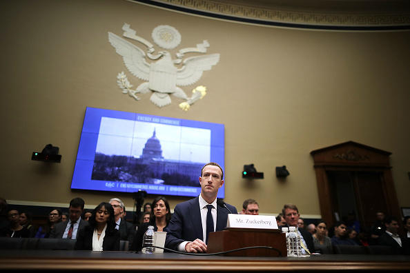 Politics「Facebook CEO Mark Zuckerberg Testifies At House Hearing」:写真・画像(11)[壁紙.com]