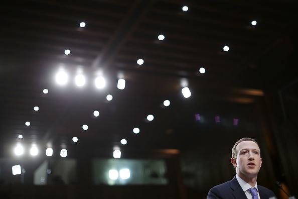 Chip Somodevilla「Facebook CEO Mark Zuckerberg Testifies At Joint Senate Commerce/Judiciary Hearing」:写真・画像(13)[壁紙.com]