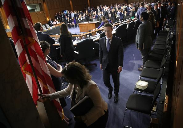 Win McNamee「Facebook CEO Mark Zuckerberg Testifies At Joint Senate Commerce/Judiciary Hearing」:写真・画像(5)[壁紙.com]