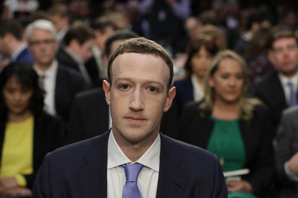 Chip Somodevilla「Facebook CEO Mark Zuckerberg Testifies At Joint Senate Commerce/Judiciary Hearing」:写真・画像(14)[壁紙.com]