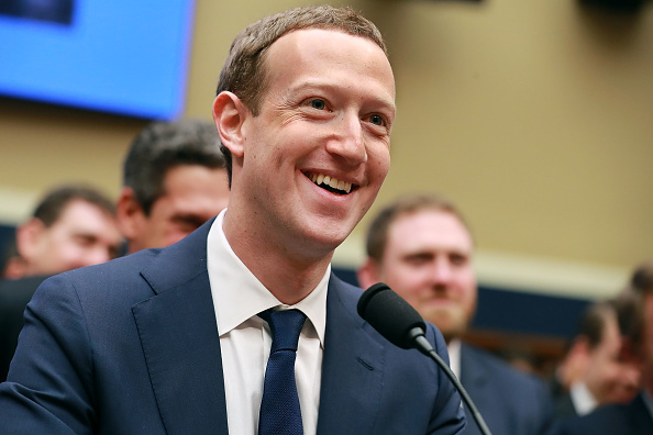 Mark Zuckerberg「Facebook CEO Mark Zuckerberg Testifies At House Hearing」:写真・画像(13)[壁紙.com]