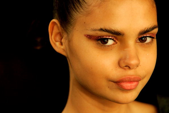 Eyeshadow「RAFW S/S 2007/08 - Alex Perry Backstage」:写真・画像(11)[壁紙.com]