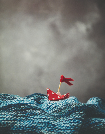 Paper Craft「Handmade origami love boat on handmade waves with stormy skies」:スマホ壁紙(9)