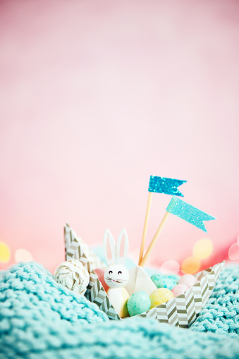 Easter Bunny「Handmade origami boat filled with tiny Easter eggs and Easter bunny」:スマホ壁紙(9)