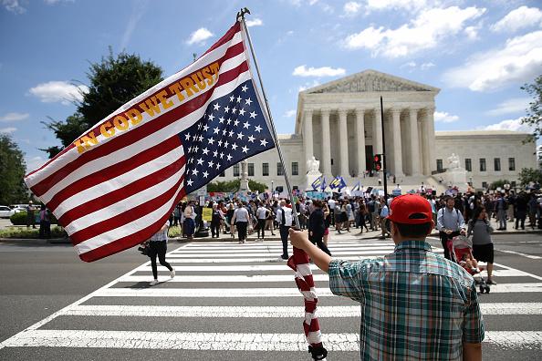 Exclusive「U.S. Supreme Court Upholds Trump Travel Ban In 5-4 Decision」:写真・画像(8)[壁紙.com]