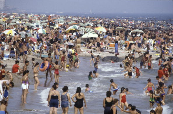 Busy「Coney Island Beach」:写真・画像(16)[壁紙.com]