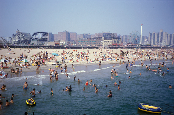 Urban Skyline「Coney Island Beach」:写真・画像(4)[壁紙.com]