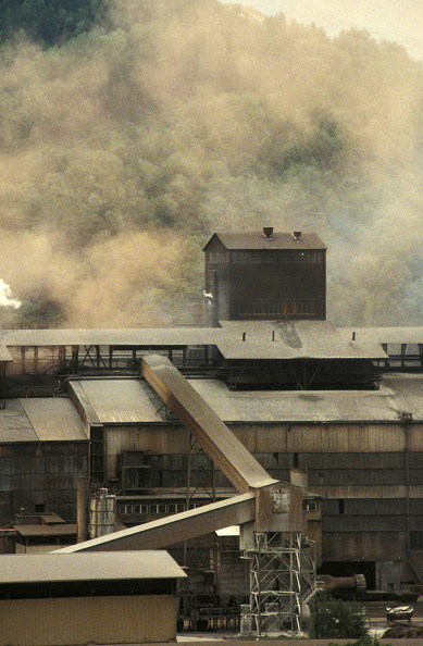 Dust「Fumes from an industrial estate, Vienna.」:写真・画像(17)[壁紙.com]