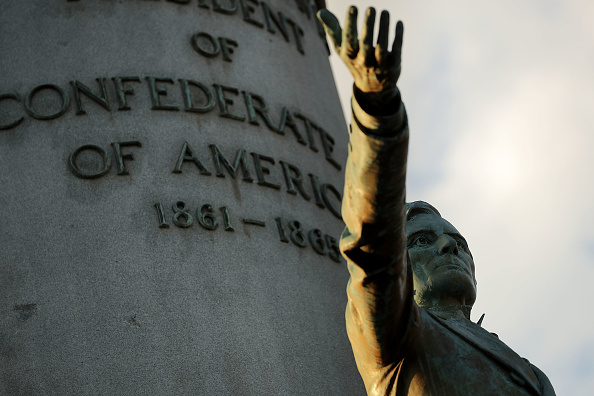 Statue「Richmond Mayor Calls For Removal Of City's Confederate Era Statues On Its Monument Ave.」:写真・画像(14)[壁紙.com]