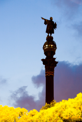 Christopher Columbus - Explorer「Statue of Christopher Columbus at Port Vell in Barcelona」:スマホ壁紙(8)