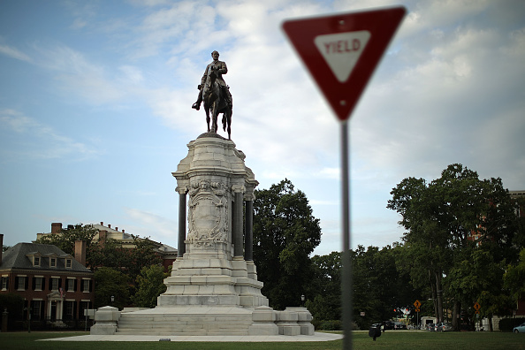 Statue「Richmond Mayor Calls For Removal Of City's Confederate Era Statues On Its Monument Ave.」:写真・画像(15)[壁紙.com]