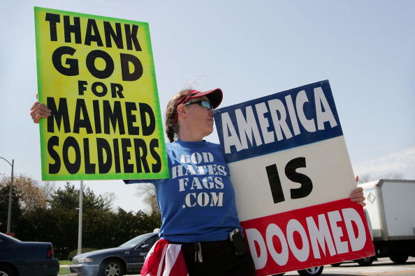 ホモフォビア「Anti-Gay Activists Continue Protests At War Funerals」:写真・画像(19)[壁紙.com]