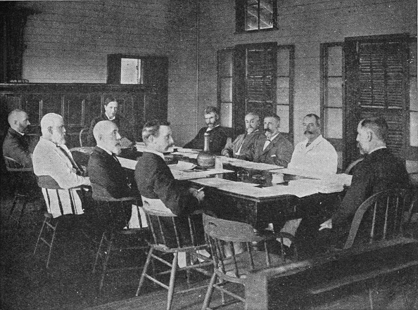 Colony - Group of Animals「Parliaments of Britains overseas dominions: the Legislative Council of Fiji in session」:写真・画像(5)[壁紙.com]