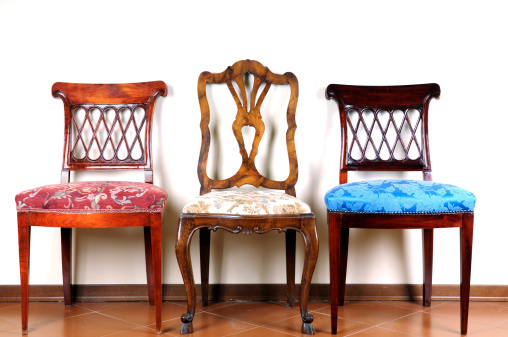Antique「Three Vintage Chairs」:スマホ壁紙(18)