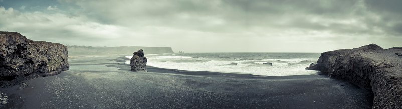 Dyrholaey「Iceland, view from Cape Dyrholaey towards Vik」:スマホ壁紙(6)