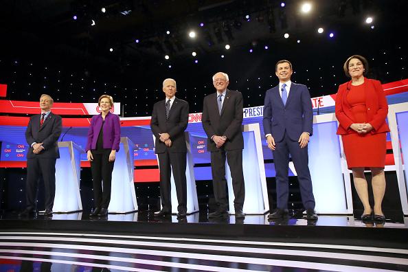 Des Moines - Iowa「Democratic Presidential Candidates Participate In Presidential Primary Debate In Des Moines, Iowa」:写真・画像(4)[壁紙.com]