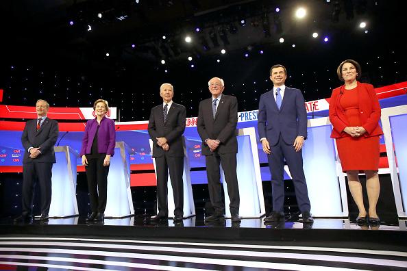 Des Moines - Iowa「Democratic Presidential Candidates Participate In Presidential Primary Debate In Des Moines, Iowa」:写真・画像(6)[壁紙.com]