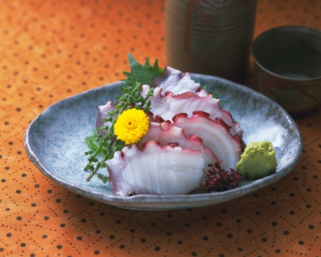 Sake「Slices of boiled octopus and Sake on table, high angle view, differential focus」:スマホ壁紙(16)