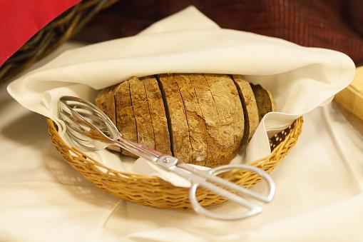 Buffet「Slices of bread in a basket」:スマホ壁紙(18)