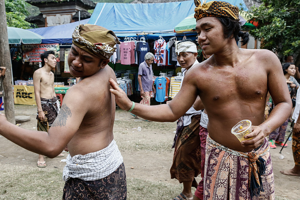 Condiment「Ancient Pandanus War Ritual Held In Balinese Village」:写真・画像(17)[壁紙.com]