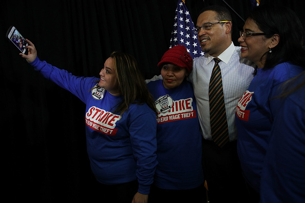 Alex Wong「Rep. Keith Ellison, Along With Sen. Bernie Sanders, Speaks On His Vision For The Democratic Party」:写真・画像(19)[壁紙.com]