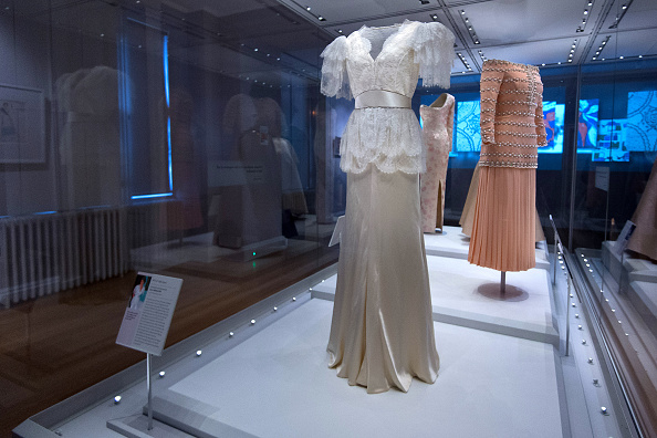 服装「Launch Of The Fashion Rules Exhibition At Kensington Palace」:写真・画像(17)[壁紙.com]