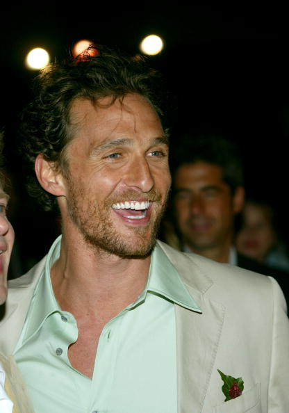 "Matthew McConaughey「Paramount Pictures Premiere of ""SAHARA"" - Arrivals」:写真・画像(11)[壁紙.com]"