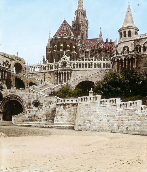 Fisherman「Budapest: Matthias Church and Fisherman's Bastion. Hungary. Hand-colored lantern slide. Around 1910.」:写真・画像(10)[壁紙.com]