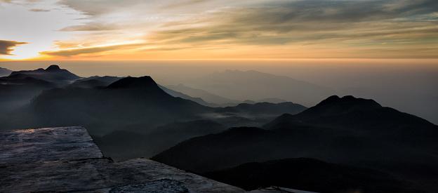 Sri Lanka「Sri Lanka, Sunrise at Adams Peak」:スマホ壁紙(11)