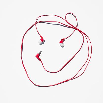 Headphone「headphones photographed against a white background.」:スマホ壁紙(5)