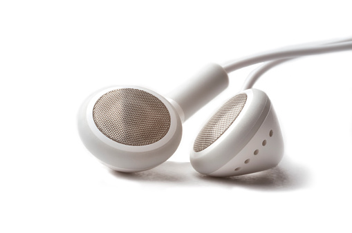 Electrical Equipment「Headphones on a white background」:スマホ壁紙(6)