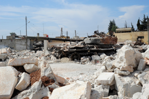 Battle「A Russian T-72 main battle tank destroyed in Azaz, Syria.」:スマホ壁紙(12)