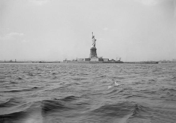 Statue of Liberty - New York City「View Of Statue Of Liberty」:写真・画像(13)[壁紙.com]