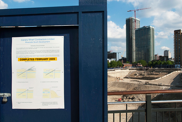 Planning「Site cleared for the Richard Rogers designed Canary Wharf Riverside South development which will consist of two towers and office complex, London, UK」:写真・画像(16)[壁紙.com]