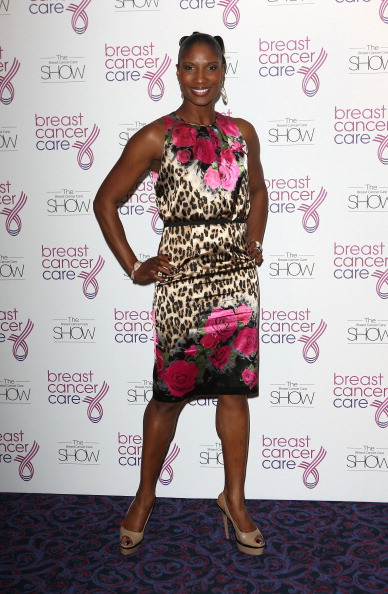 Breast「Breast Cancer Care 2012 Fashion Show」:写真・画像(1)[壁紙.com]