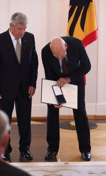 Schloss Bellevue「German Order Of Merit Awarded By President」:写真・画像(19)[壁紙.com]