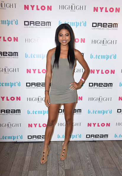 全身「NYLON's It Girl Party At The Highlight Room At Dream Hollywood」:写真・画像(11)[壁紙.com]
