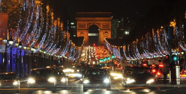 風景「Christmas Illuminations 2010 In Paris」:写真・画像(0)[壁紙.com]